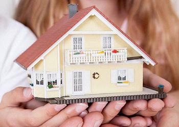 Изображение продажи недвижимости через агентство с профессиональными риэлторами